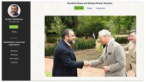Ruben Vardanian ja Prinssi Charles kättelevät. Kuvakaappaus Vardanian kotisivuilta.