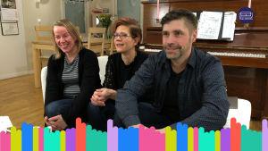 Kuvakaappaus Yle Vaalisohvan Keski-Suomen jaksosta. Kuvassa kaksi naista ja mies haastattelemassa poliitikkoja.
