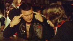 Kitaristi Dick Dale Mikko Alatalon haastattelussa 1983.