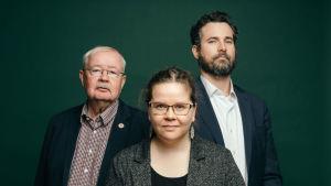 Kuvassa Pyhiä juutalaisia kirjoituksia -radiosarjan asiantuntijat vas.-oik.: Tapani Harviainen, Riikka Tuori ja Simon Livson