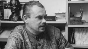 Kirjailija Veikko Huovinen kotonaan Sotkamossa