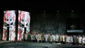 Olli Kortekankaan ooppera Isän tyttö Savonlinnan Oopperajuhlilla 2007.