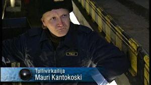 Janne Reinikainen Studio Julmahuvin sketsissä.