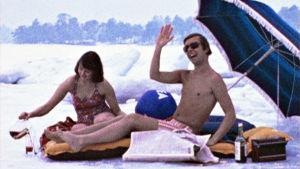 Strandliv mitt i vintern. Sketchprogram 1976.
