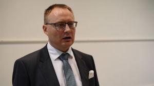 Mikko Puhakka.