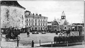 Viipurin Pyöreä torni, kauppatori ja kauppahalli 1910-luvulla.