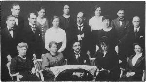 Boris Sirpo ja Viipurin Musiikkikoulun opettajat noin 1922.