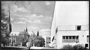 Viipurin kaupunginkorjasto ja tuomiokirkko 1920-luvulla.