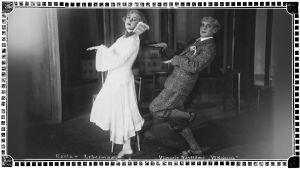 """Elli Ranta ja Arvo Lehesmaa """"Yö Kairossa"""" näytelmässä Viipurin Näyttämöllä 1920-luvun lopulla."""