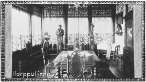 Sisäkuva Harppulinnasta, joka oli yksi Terijoen koristeellisimmista huviloista.