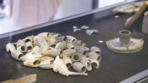 arkeologiska utgrävningar i Åbo, torget, fynd, lerpipor