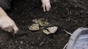 arkeologiska utgrävningar i Åbo, torget, fynd