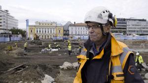 arkeologiska utgrävningar i Åbo, torget, Kari Uotila  ansvarar för utgrävningarna