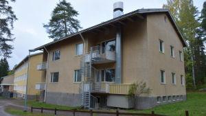 En skolbyggnad från 1950-talet.