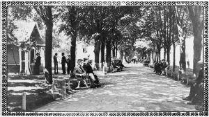 Kesäinen Torkkelinpuisto 1920-30-lukujen Viipurissa.