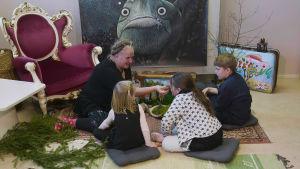 Kreativ verkstad med Maria Sundell i LillaLuckan i Raseborg, Luckans barnkulturrum.