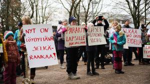 Mielenosoitus Kouvolan kaupungintalolla