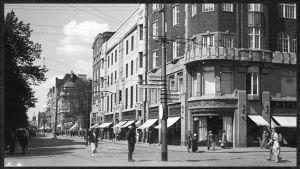 Torkkelinkadun ja Karjalankadun risteys Viipurissa 1930-luvulla.