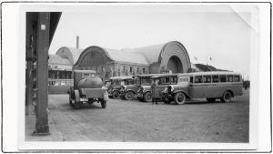 Näkymä Shell-huoltamolta Viipurin asema-aukiolle 1930-luvulla.