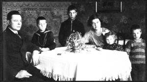 Heimo Haiton perhe Torniossa 1930-luvun alussa.