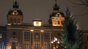 Oulun kaupungin joulukuusi