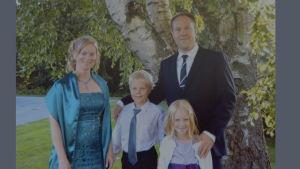 Jonas Björkstrand med familj