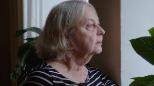 Irja sairastaa Alzheimeria mutta ei itse muista sitä