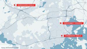 En karta över Esbo med Vindängens skola, Karhusuon koulu och daghemmet Touhula utmärkta.