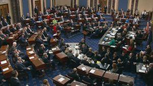 Äänestys senaatissa, presidentti Trumpin virkarikosoikeudenkäynnissä.