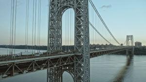 Näkymä George Washington -sillalle New Yorkin kaupungissa.