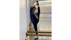 Balettitanssija Marko Juusela selfiessä koronakeväänä 2020.
