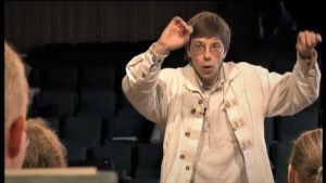Olari Elts johtaa Sibelius-Akatemian orkesteria Porvoossa 2000