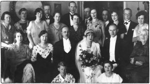 Sergei Kulikoffin ja Kerttu Massisen häät Viipurissa 1933.