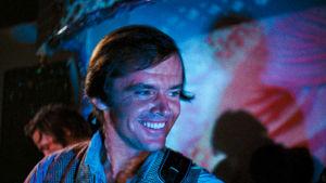 Jack Nicholson psykedeelisissä valoissa elokuvassa Psych-Out.