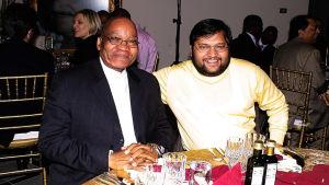 Intiasta saapuneet Guptan bisnesveljekset onnistuivat soluttautumaan syvälle Etelä-Afrikan valtioon.
