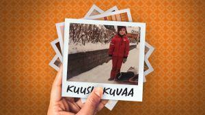 Kaari Mattila lapsena lumisella kadulla pulkka vieressään.