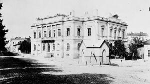 Vanha ylioppilastalo vuonna 1883.