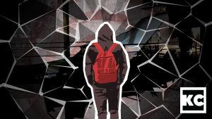 Piirros, jossa reppuselkäinen mies seisoo selin ja keskellä sirpaleita.