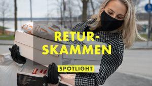 Sandra Holmäng bär på en hel hög med paket från olika nätbutiker där hon handlat. Hon är rädd för att snava och tittar snett neråt.