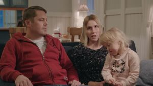 Vilja, 4, ja perhe ovat saapuneet vaativaan kalloleikkaukseen Uuteen lastensairaalaan.