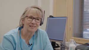 Paula Keski-Kujala työskentelee terveydenhoitajan käsivarren Lapissa.