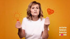 Nainen yrittää selittää jotain ja käyttää apuna käsiään.