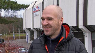Ligalaget KooKoo s chefstränare Petri Mattila i Sportmagasinet hösten 2015. 26812312354f5