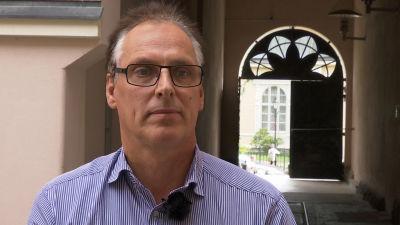 Bildningsdirektör Jan Levander i Jakobstad säger att staden har eftersträvat effektiv och billig skolmat.