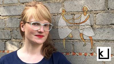 Sarjakuvataiteilija Aino Louhi.