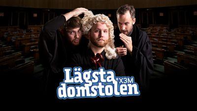Max Rantakangas, Simon Karlsson och Axel Brink är utklädda till domare och viskar till varandra.