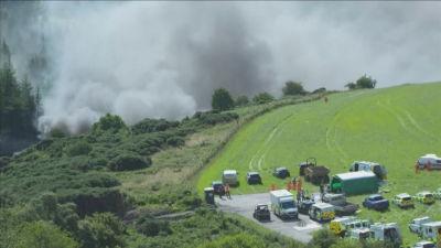 Ett passagerartåg har spårat ut i närheten av Stonehaven vid Skottlands östkust.