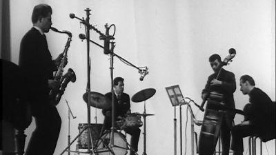 Pentti Lasasen johtama yhtye levytyksessä Kulttuuritalolla (1962).