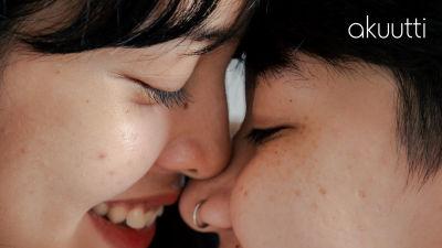 Rakastavaiset haistelevat toisiaan