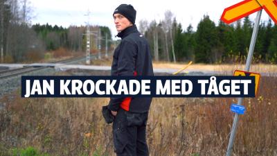 Jan Portin står framför obevakad plankorsning i Storsandsund, Pedersöre